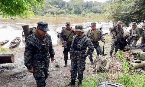 First Joint Patrols by Marines - Communities - Police for Sierra del Divisor National Park, Peru